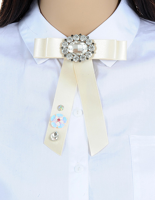 Fashion Light Yellow Oval Shape Decorated Bowknot Brooch