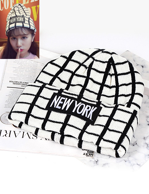 Trendy Black+white Grid Pattern Decorated Knitting Cap