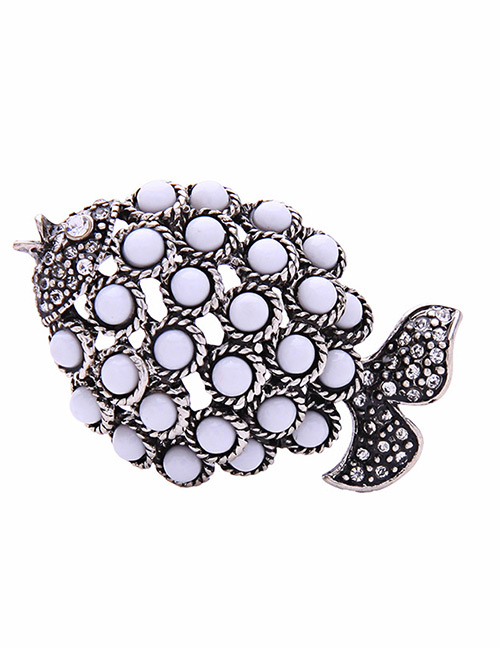 Fashion White Fish Shape Decorated Brooch