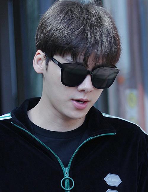 Fashion Black Resin Sunglasses