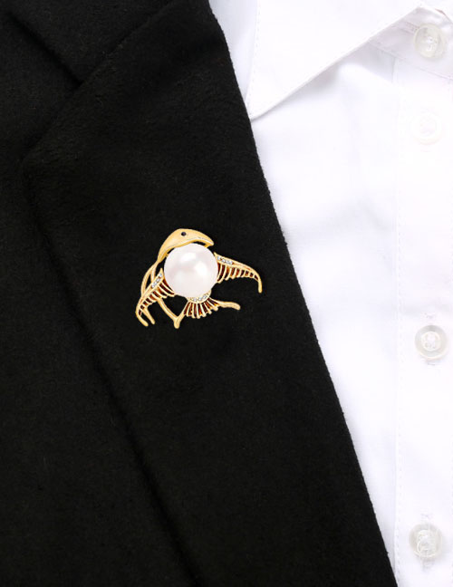 Fashion Gold Alloy Diamondd Pearl Shark Brooch