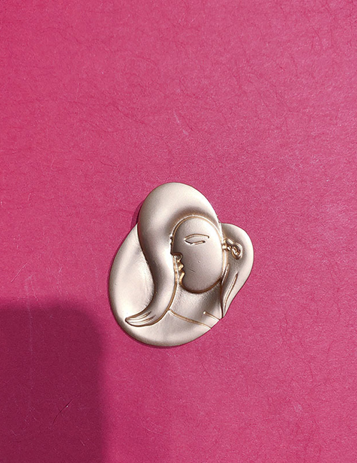 Fashion Golden Embossed Child Brooch
